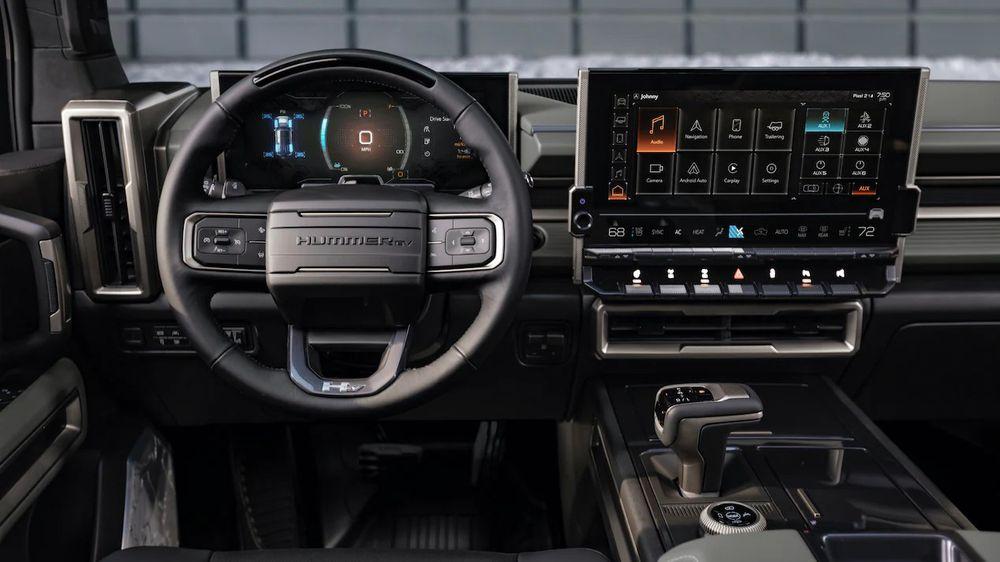 سيارة Hummer EV SUV